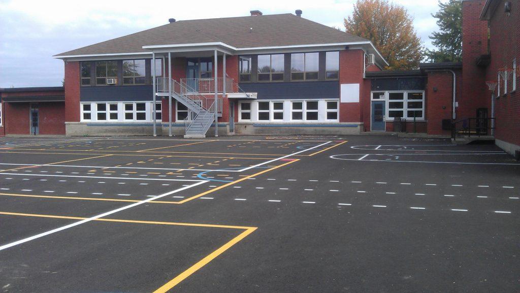 Réfection de la cour de l'école Marie-Reine