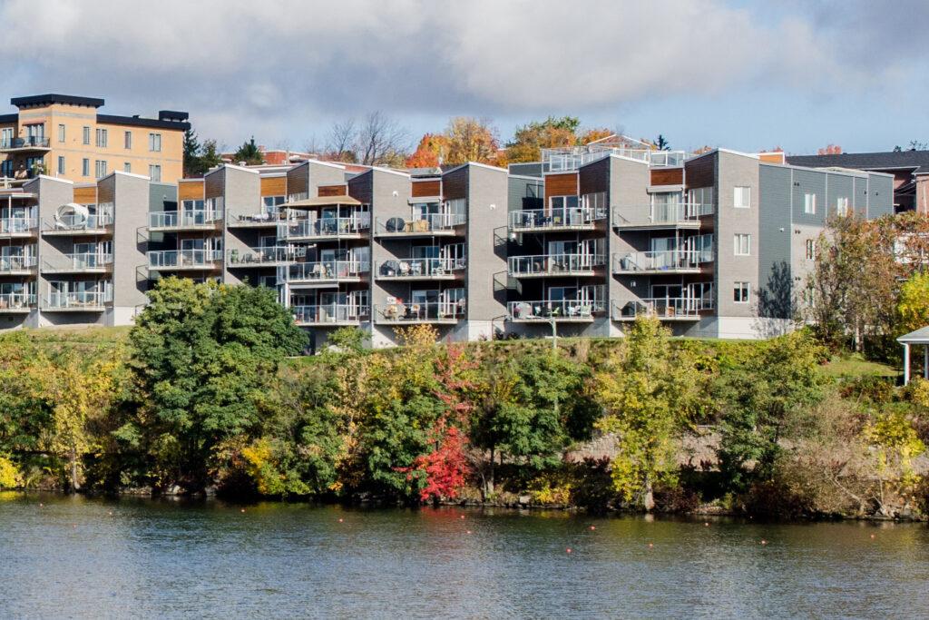 Les Verrières du Lac<span>Sherbrooke, Québec</span>